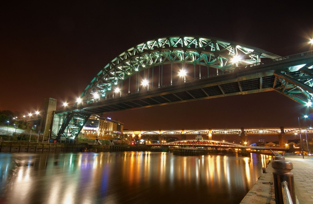 https://en.wikipedia.org/wiki/Tyne_Bridge