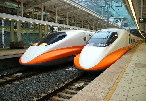 Shinkansen 700s on the Taiwan High Speed Railway