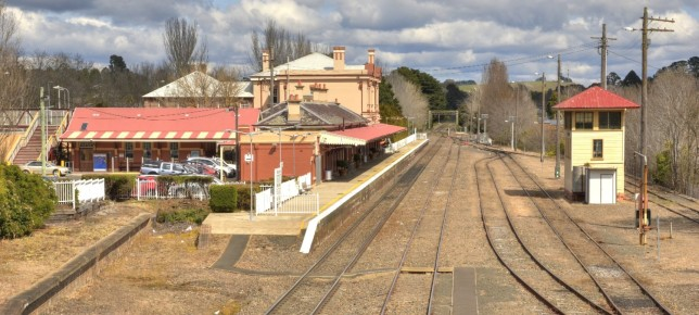 Looking southbound at Moss Vale Station. The new platform and station would be built on the right. Image: Hot Rails