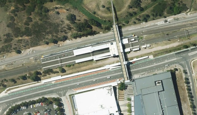 Macarthur station showing ample room for additional tracks on both sides. Image: Google Maps