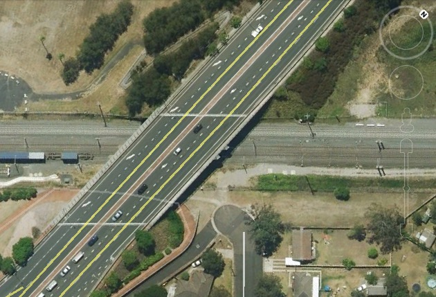 Existing rail corridor at the Moore St overbridge. Image: Google Maps